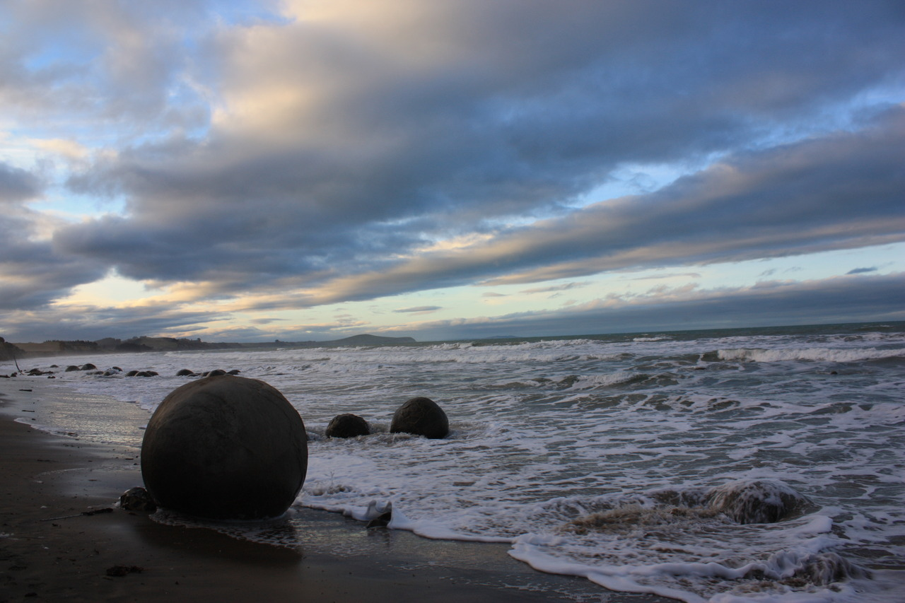 Moeraki boulders at sunset. Otago, NZ (SAS 7-4-2012)