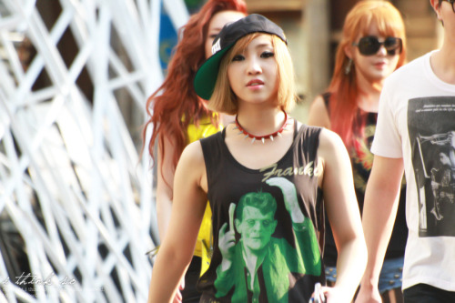 ygladies:  [STALKER] 120708 Hip Hop Freak Minzy Leaving Inkigayo: Source: http://ithinkso21.tistory.com/