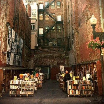 bookmania:  Brattle Book Shop at 9 West Street in Boston, Massachusetts. (via gingenious)