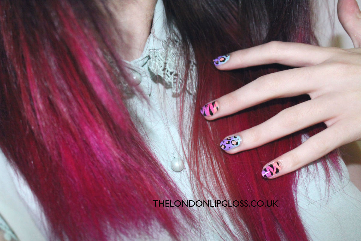 my current nails. learn how i did them and how to do your own here: http://thelondonlipgloss.blogspot.com/2012/07/ombre-animal-print-nail-art-mix.html