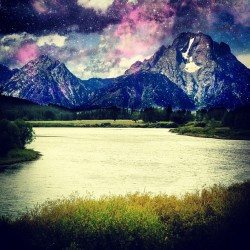 Dat view #water #river #mountains #mountain #stars #purple #sky #clouds #nature #grass #yellow #tree #trees #land #jj #eavig #instagood (Taken with Instagram)