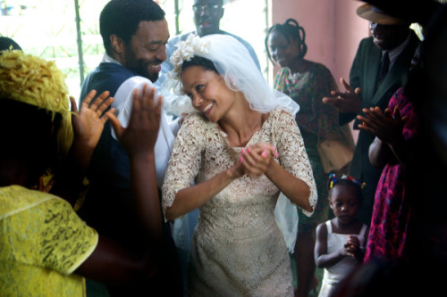 "mangoislandfugitive:  Thandie Newton aka Olanna and Chiwetel Ejiofor aka Odenigbo on set of ""Half of a yellow Sun"" in Nigeria.   UGH! I'm still so fucking against this casting. But I'm willing to see if she will do a good job despite not fitting the role, at all."