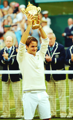 17 Grand Slams, 7 Wimbledon's. My hero. My life.