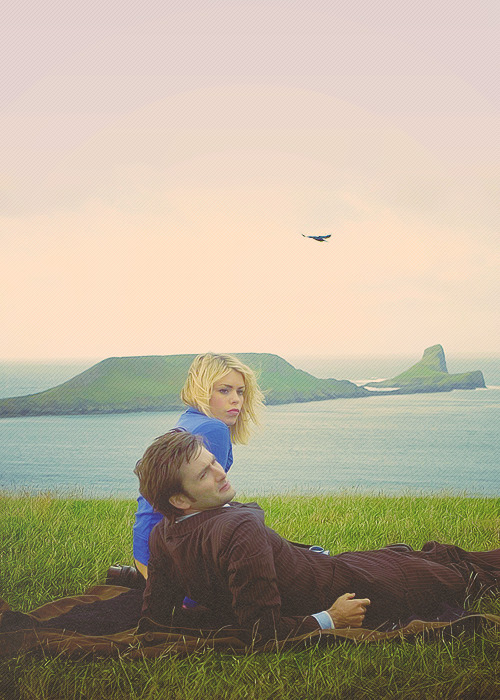 doctorwho:  Rose and Ten. New Earth  Right in the feels.