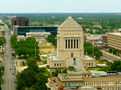 weekend-getaway:  THINGS TO DO AROUND ST.LOUIS - #22 INDIANAPOLIS This is the first time I am venturing out of Missouri for a weekend outing, but there are a lot of places around STL that make for perfect weekend getaways. Be it other mid-west cities, state parks, rivers and lakes or scenic drives, each destination gives a little peek in the unique mid-western culture – historic, close to nature, easy-going and progressive all at the same time, and above all, highly under-rated.  Indianapolis is one of the cities just 3-4 hr drive from STL and gives a nice change from your daily routine. It is a small urban area with its own feel and vibe and event highlights such as Super Bowl, Nascar, etc.   Things to do: - The canal…this is the non-commercialized and shorter version of the San Antonio canal experience. The Indy canal is soo pretty with its greenery, the bridges and the pretty homes lined on both sides. You can canoe or paddleboat or take gondola rides in the waters. You can also explore the canal through biking, Segway, 4-seater cycles, or skateboards or on foot - In my opinion, the best way to explore any city is on foot…that's when you feel the vibe and the culture. And Indy downtown is best suited for this activity. If you don't mind walking at the speed of talk, then you can explore the entire Indianapolis downtown on foot, as the area is not too large - The Monument is another attraction in downtown dedicated to war soldiers I guess…you can go to the top of the monument for $2 and enjoy the Indy views from the top. If you decide to climb the 24-storey tall structure, you can do that FOC - Other stuff in downtown include museums, malls, zoo…you may visit them as per your taste and liking - For nightlife, Whoesale district and Mass Ave have some great options - For food, I enjoyed Scotty's Brewhouse and Café Patachou gave me an awesome brunch! - There are some state parks in driving distance too…Brown county state park one of them Time: 4 hour drive from STL. A weekend is perfect for an Indy visit. We skipped the state parks etc as there are enough of them here in MO.  More details: http://visitindy.com/ and tripadvisor Suggested itinerary: -Can leave STL on a friday evening and enjoy the Indy nightlife starting Friday night -Saturday, visit the canal in daytime. There are some good restaurants and cafes with a canal view and back to nightlife later -Sunday, visit the downtown, the monument, enjoy brunch at local places, and then head back to STL