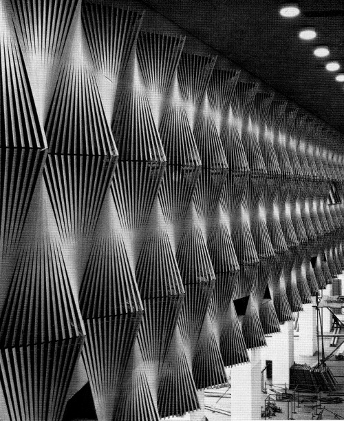 betonbabe:  K. FREYER FAN-SHAPED ACOUSTIC WALL PANELS AT A CONGRESS HALL IN DÜSSELDORF, 1960s