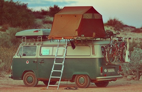 #vanlife.  Anyone know where to find the rooftop tent? thegypsyride:  (via Cars / Portable life.)