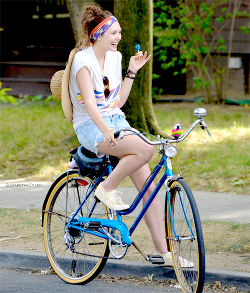 "Lizzie Olsen: On the Set of ""Very Good Girls"" / July, 5th 2012"