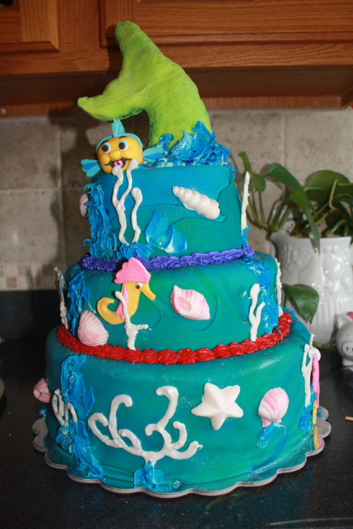 My Little Mermaid themed birthday cake! runninginglasslippers.tumblr.com