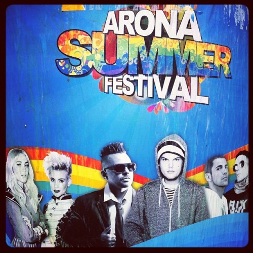 Arona Summer Festival. #festival #house #music #seanpaul #dimitrivegaslikemike #nervo #avicii #instagram #instadope #instagramer #instagrahub #instaphoto #instafoto #foto #photo #instapic #shot #bestshot #shotoftheday #picture #beauty #networksocial #webstagram #iphone #iphonesia #best #like #love #awesome  (Tomada con Instagram)