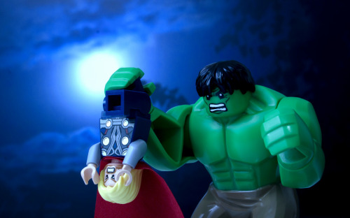 Midnight Hulk Attack (by dooogewalah)