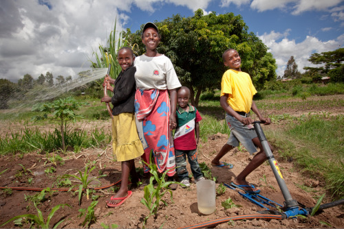 With the help of a Kickstart pump, Penniah and her 3 children plan to extend their plot to farm more land and increase their income. Learn more at www.theadventureproject.org.
