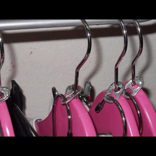 Great idea for your closet!!  #brightidea #closet #hangers #clothes (Taken with Instagram)