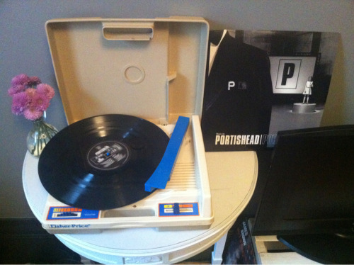 Now listening: Portishead-Portishead.