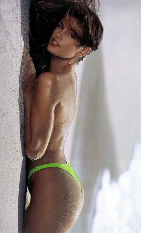 90s models > nowadays models. Cindy Crawford, 1993