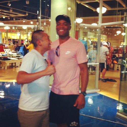 Picture is messed up. But Anderson Silva was shopping at Primm outlets post fight.  (Taken with Instagram)