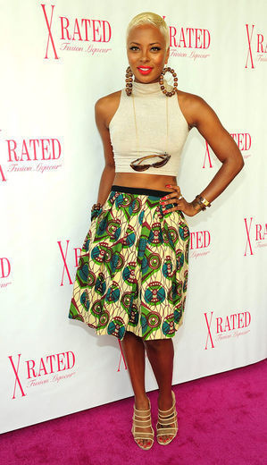 lalisfavouritethings:  Eva rocking African Print itsloudinsidemyhead:  I like the skirt   Love the skirt