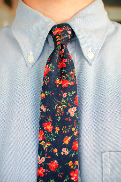 Floral patterns have been popping up a lot in menswear over the last two seasons. What really seems to make the best ones stand out, at least for me, are vivid colors– either the flowers themselves, or the background colors. What also really matters is finding an appropriate scale for the floral print, for example, The Brooklyn Circus did a great job with their summer line of blue and yellow floral shirts. This tie also (not by them) is excellent.