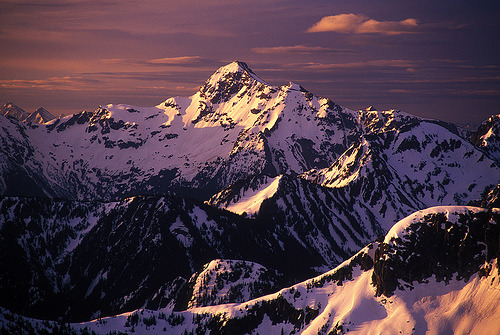 abatudes:  Silvertip Mountain Sunrise by justb, on Flickr