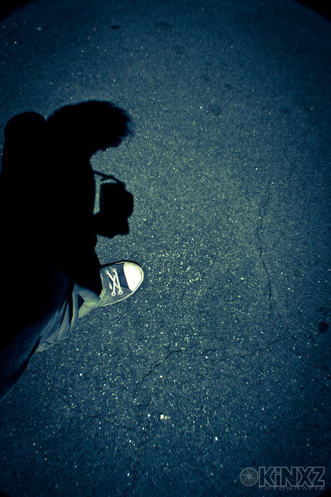 Pasos azules#canon #photography #dslr #foot #shadow #blue(from @kinxz on Streamzoo)