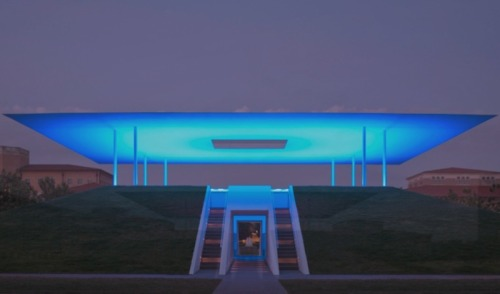 Skyspace by James Turrell at Rice University. I want one of these in my backyard.