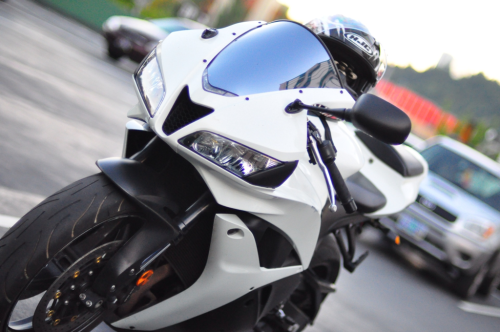 lowislife:  My buddy's old Cbr  (via imgTumble)