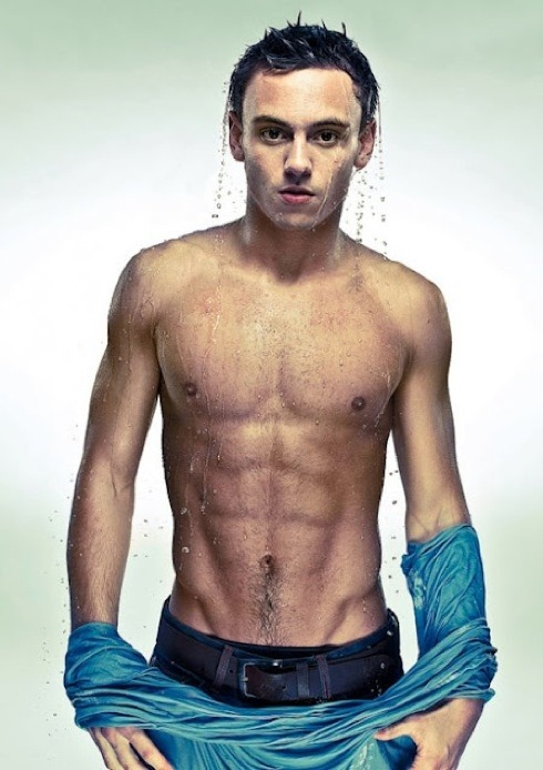 dnamagazine:  Hotties of the Olympics Day 6: Tom Daley. Click through for more snaps of the British diver.