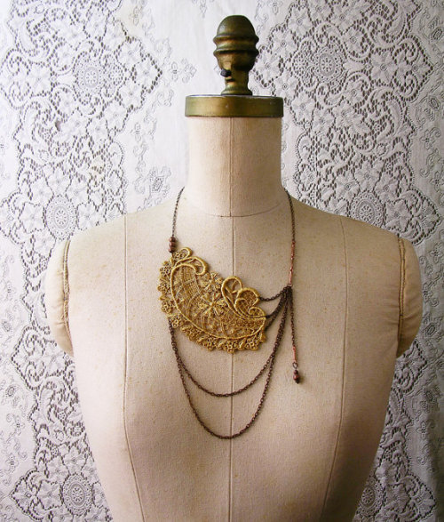 "Beautiful ""vintage"" style necklace from White Owl."