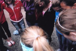 hellojesussaveme:  Prayer circle at camp <3