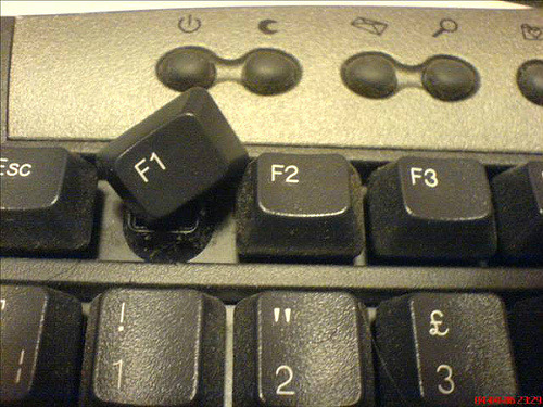 Button severely hurt in F1 accident (vía Twitter / BBCSporf: BREAKING: Button severely)  Me parto…