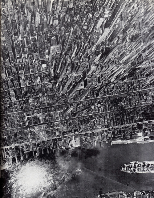 Aerial View of Midtown Manhattan Looking West From East River July 1944