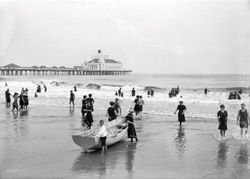 "ca 1920 The Jersey Shore; Atlantic City, New Jersey, USA ""Bathers and Steel Pier""; 5""x7"" dry plate glass negative, Detroit Publishing Co via"