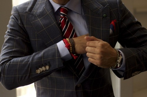 emrayfo:  Colour-coded accessories: Tie, pochette, wristbands