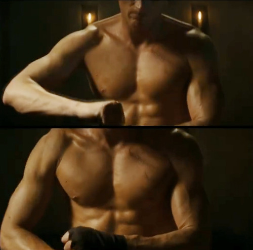 Shirtless Paul Bettany