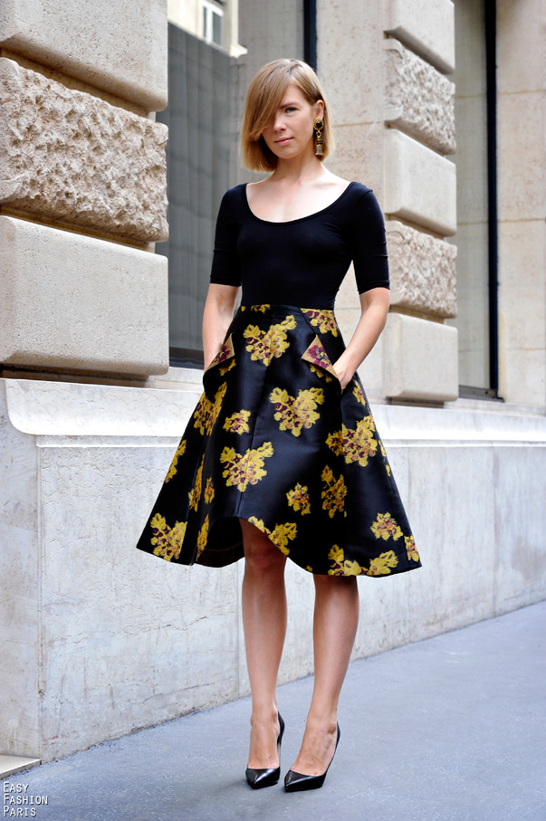 themancunianist:  (via Easy Fashion: Miss Vika - Rue Cambon - Paris)