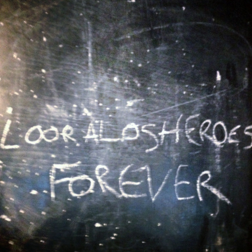 LOOR A LOS HEROES - FOREVER 1. Barbara 2. Dog & Bone 3. Wont You Wait 4. Amy