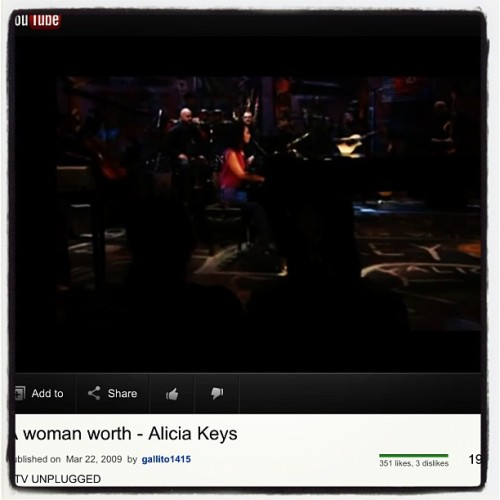 Before bed jam #music #goodnight #aliciakeys #dream #countsheep #blessed g'night y'all  (Taken with Instagram at Waitakere Hospital)