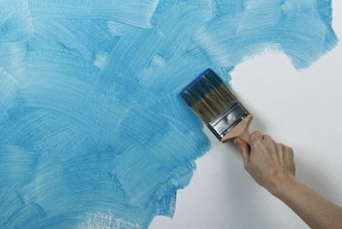 "smarterplanet:  Special Paint Turns Any Surface Into A Battery - PSFK Researchers at the Rice University in Texas, USA, have created a lithium-ion battery paint that can be applied to any surface. The battery-based paint was experimented on bathroom tiles, which were able to power a set of LED lights for six hours, and provided a steady 2.4 volts. The lead author of the project, Neelam Singh, commented that her team had spent hours formulating, mixing and testing the paints. The working concept means that traditional packaging for batteries can have a ""more flexible approach that allows all kinds of new design and integration possibilities for storage devices."" via PSFK:"