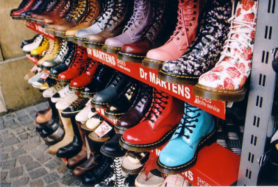 tantrydhenis:  Damn, it's cool boots! I want it all —D