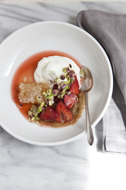 poached rhubarb with yogurt, pistachios & honeycomb | beautiful food