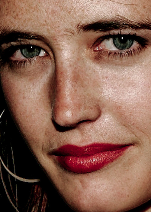 celebritycloseup:  eva green