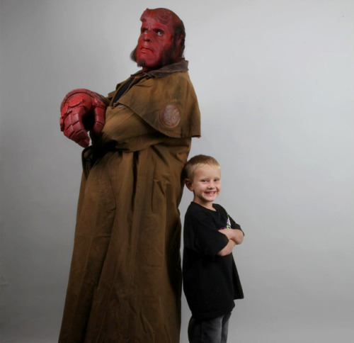 Make-A-Wish Brings Six-Year-Old Zachary Face To Face With Hellboy Six-year-old Zachary, who is undergoing treatment for leukemia, had the chance to fulfill his wish of coming face to face with his hero Hellboy (and even become Hellboy) in real life. This was possible due to the fine folks at Make-A-Wish Foundation, Spectral Motion and the bad ass Ron Perlman. Via: Superhero Hype | The High Definite | Laughing Squid