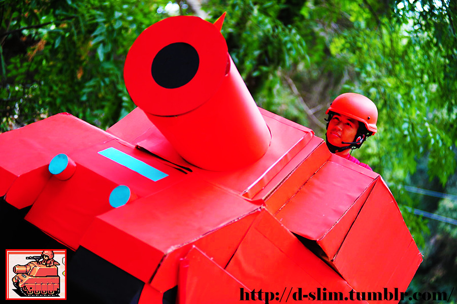 My life size cosplay as an MD tank from the game Advance Wars for the GameBoy! http://d-slim.tumblr.com/
