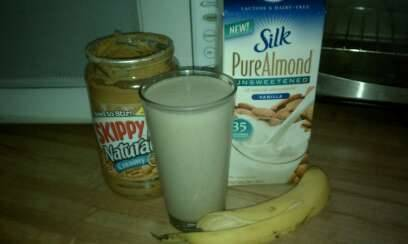 PB & Banana Protein Shake 1/2 Banana 1 scoop of vanilla protein powder (here's the kind I use) 2 TBS of PB 1 Cup of unsweetened vanilla almond milk