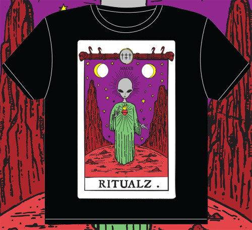 NEW SHIRT PRE-ORDER AVAILABLE NOW ON THE STORE http://ritualz.bigcartel.com/product/alien-tarot-t-shirt