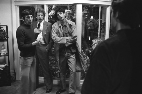Leonard Nimoy, Donald Sutherland, and Jeff Goldblum on the set of Invasion of the Body Snatchers (1978)