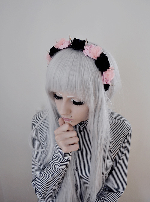 irodohieru:  Erp. Me again + the pink version of the headbands I put up for sale ( ´ ▽ ` )ノ ☆ irosgarden.storenvy.com ☆