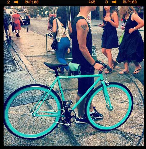mannydiamonds:  Just lurking around soho with Tiffany Blue.
