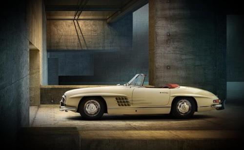 germaniron:  Mercedes Benz 300SL Roadster - Saw several of these this weekend…