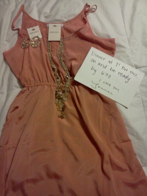 joycakes:  Why can't my boyfriend do this too lol. omg.